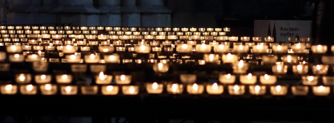 candles-337559_960_720